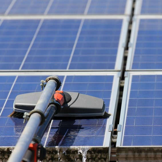 Smital Gebäudereinigung - Photovoltaikreinigung